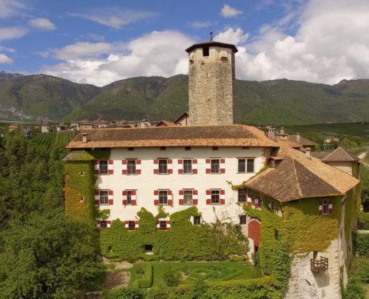 Video riprese aeree con drone presso castel Valer - Val di Non